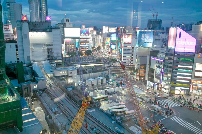 2018年5月6日(日曜日)渋谷ヒカリエから渋谷スクランブル交差点を望む SIGMA DP1S