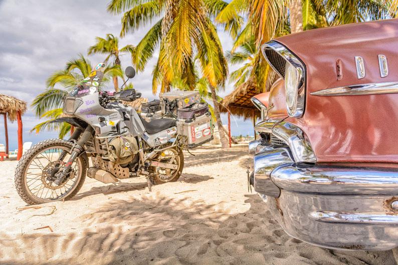 Ravages of Time | Der Zahn der Zeit | Playa Santa Lucia | Cuba | Motorrad-Abenteuer-Fotografie | Motorcycle ADV Photography | Poster & Leinwände