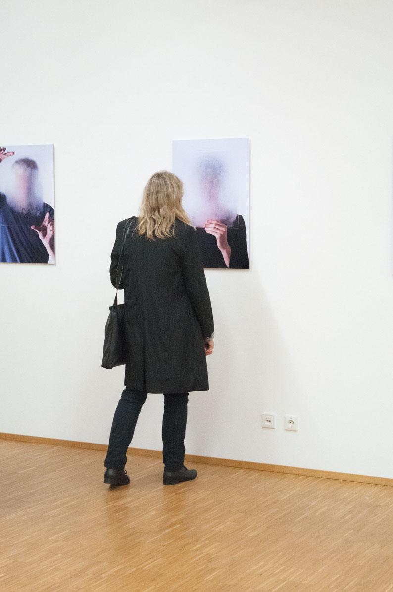 """Ausstellungsansicht  """"PORTRAIT ±"""""""