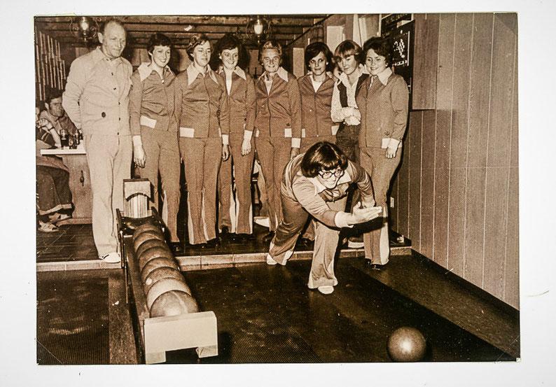 Eines der ersten Fotos der neu gegründeten Damenmannschaft