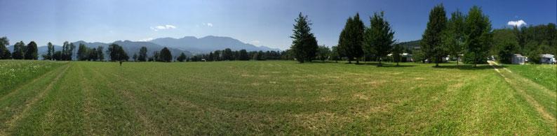 Panorama zwischen Campingplatz und See