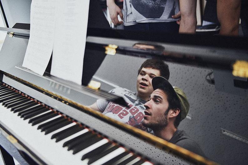 Gesangsunterricht-singen-lernen-vocal-coach-gesangslehrer-koeln-stimmbildung-atemtechnik