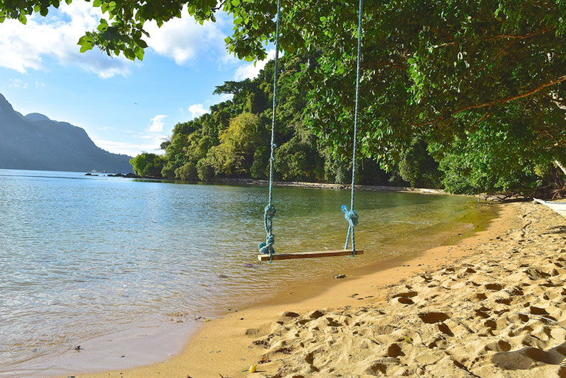 Quiet Place Away From El Nido - Swinging in Paradise