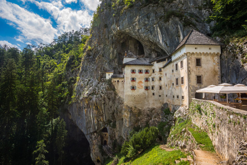 9 Places to see in Slovenia - The Predjama Castle near the Postojna Cave