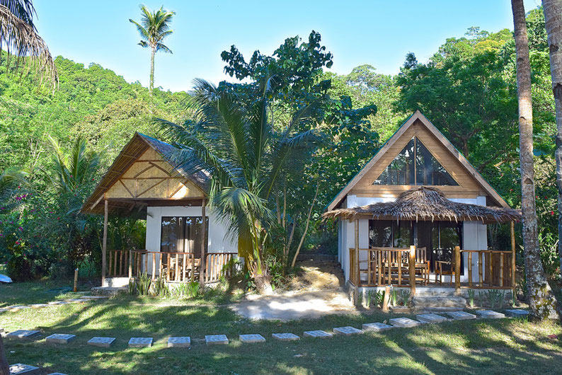 Quiet Place Away From El Nido - Beachfront Cottages