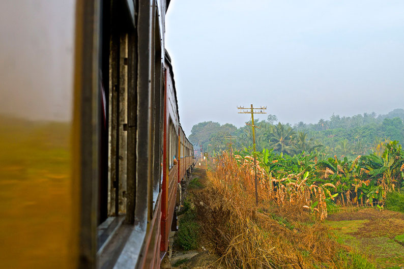 9 Days in Sri lanka - Train Ride from Colombo to Kandy