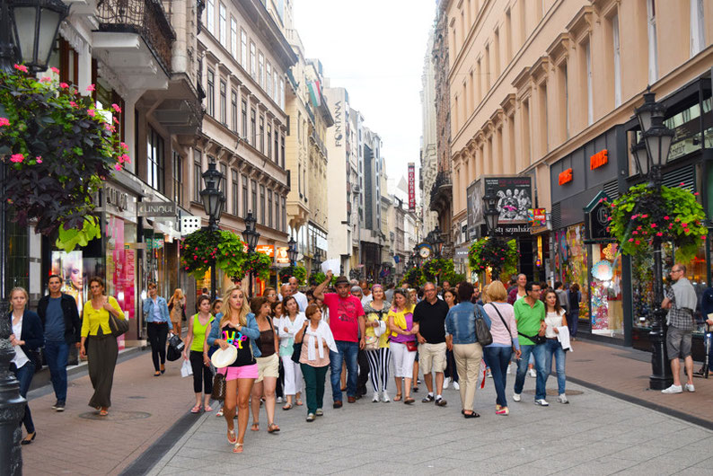 Budapest on a Weekend - The busy Vaci street