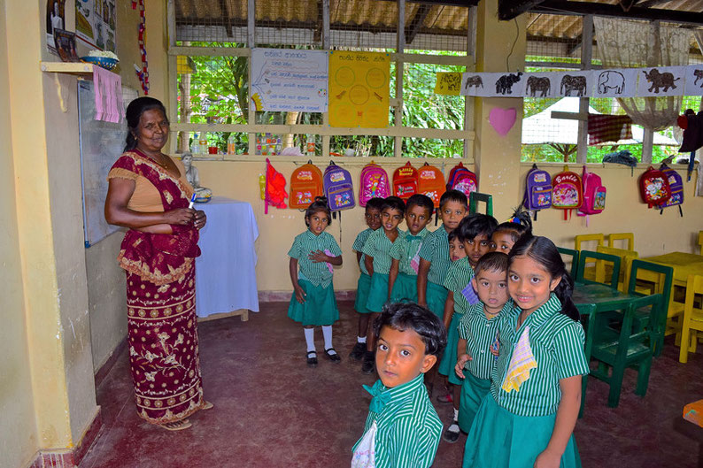 9 Days in Sri lanka - A Quick Look into a Primary School in Ella