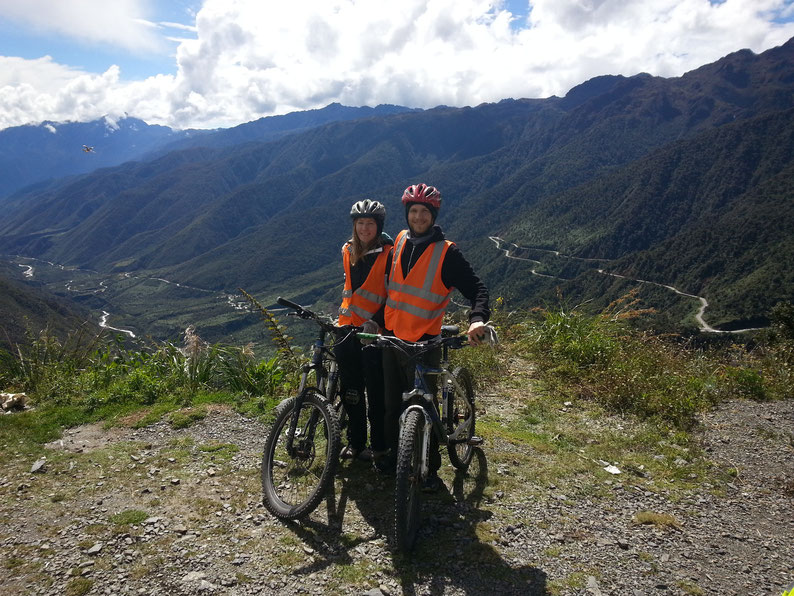 Cycling down from 4900 m - Day 1 of the Inca Jungle Trek