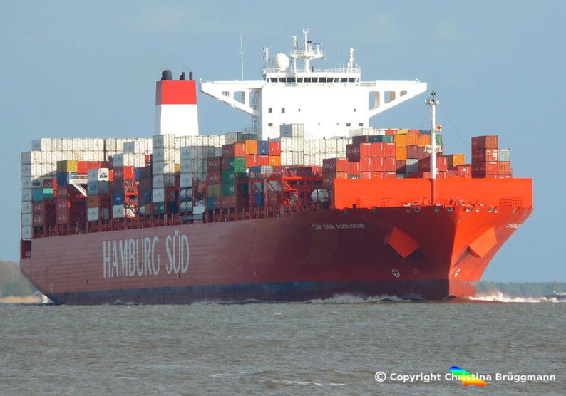 """Hamburg-Süd Containerschiff """"CAP SAN AUGUSTIN"""" auf der Elbe 27.04.2015"""