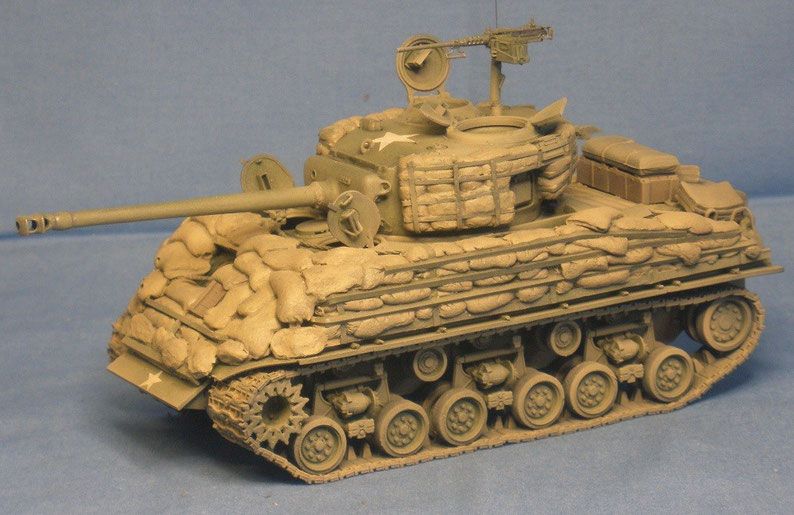 Kampfpanzer M4 A3E8 Sherman Easy Eight mit Sandsackpanzerung der US Armee Weltkrieg worldwar
