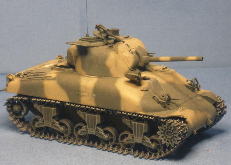 Kampfpanzer M4 A1 Sherman mit 75mm Kanone der US Armee Weltkrieg worldwar