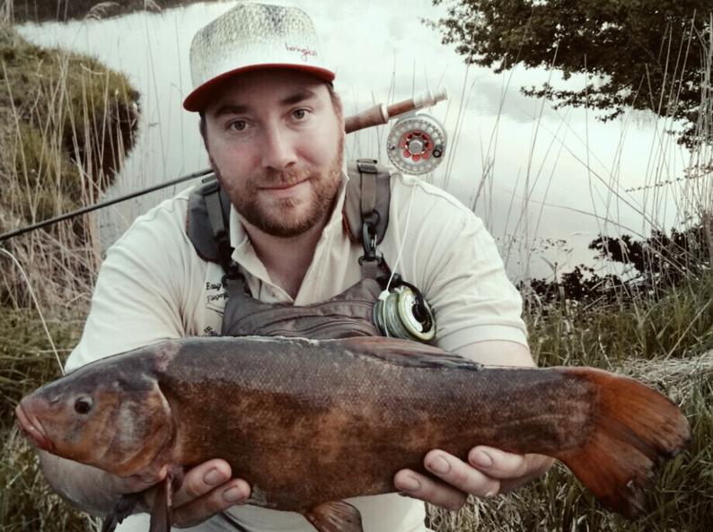 Jens sein PB, eine Schleie von 51 cm gefangen im April 2018 in einem ostfriesischen Gewässer.