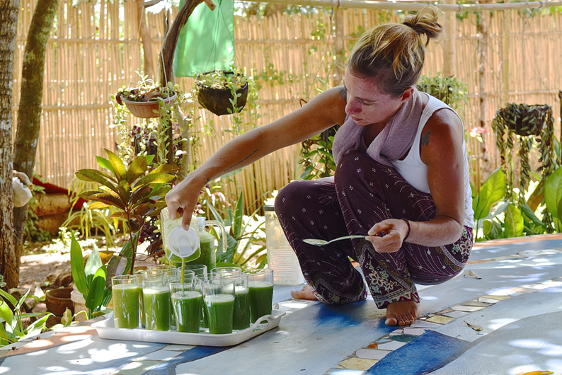 Yoga Detox Retreat in the Philippines - Green Smoothies