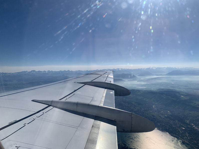 Blick auf die Alpen und auf den Zürichsee