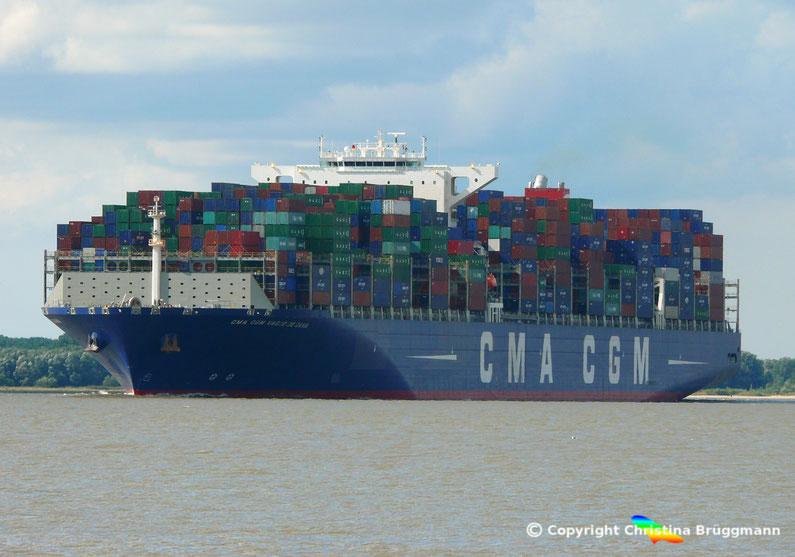 CGM CMA VASCO DE GAMA auf der Elbe (Erstanlauf Hamburg 10.09.2015