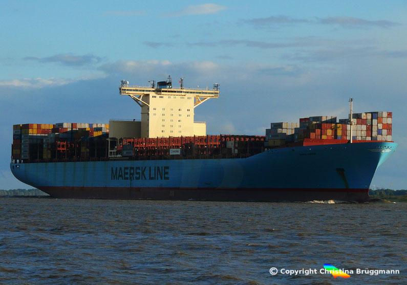 """Containerschiff """"EMMA MAERSK"""" nach Umbau am 12.09.2017 auf der Elbe"""