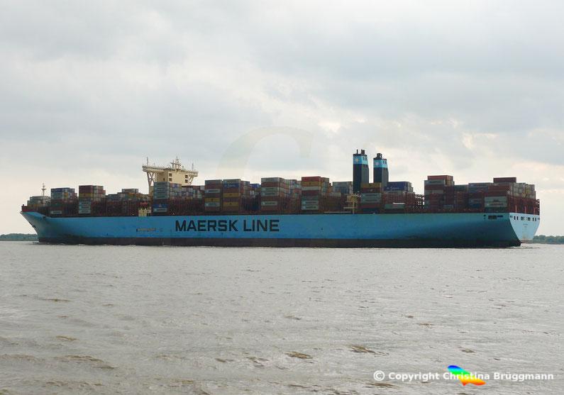 Maersk-Line Tripple-E-Containerschiff MARIE MAERSK auf der Fahrt nach Hamburg 03.09.2016