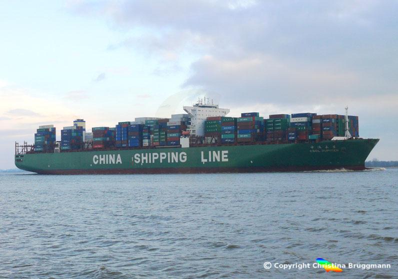 """Containerschiff """"CSCL JUPITER"""" auf der Elbe 27.03.2015"""