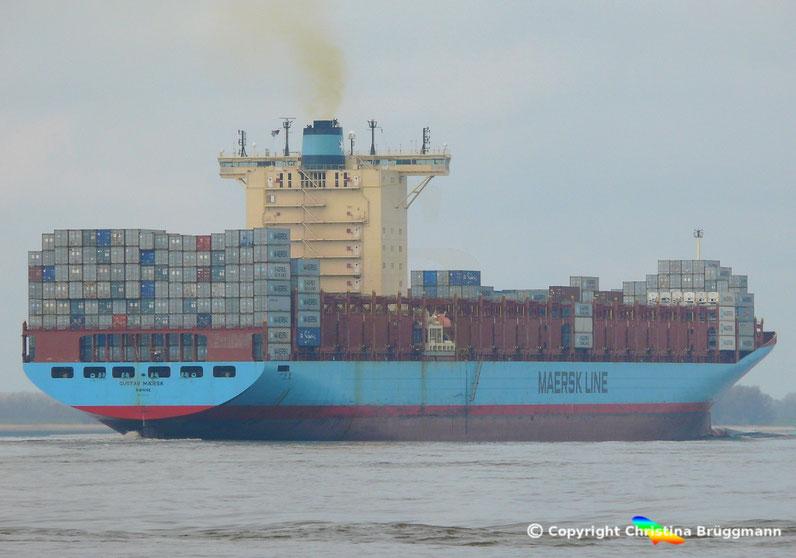 """Containerschiff """"GUSTAV MAERSK"""" auf der Elbe  26.03.2017"""
