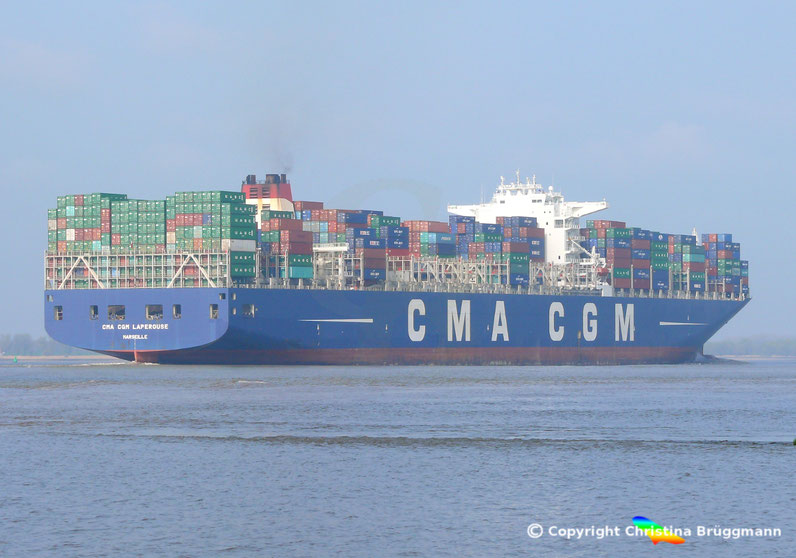 """Containerschiff """"CMA CGM LAPEROUSE"""" ausgehend Hamburg auf der Elbe 24.04.2015"""