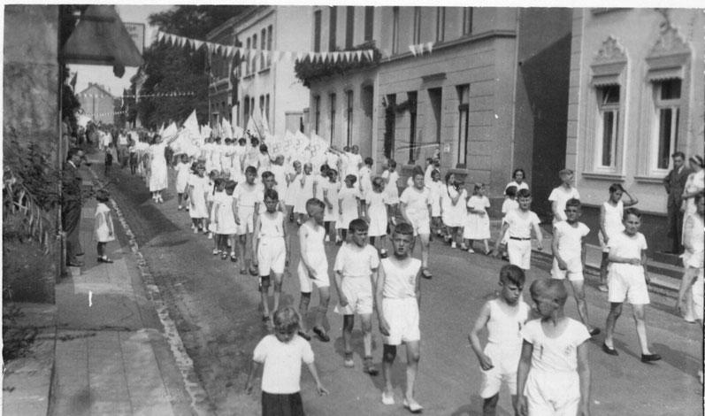 Festzug Turnverein 1936, Dülkener Straße