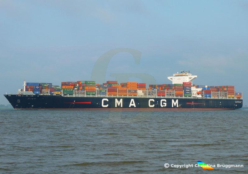 """Containerschiff """"CMA CGM MUMBAI"""" auf der Elbe 18.07.2018"""