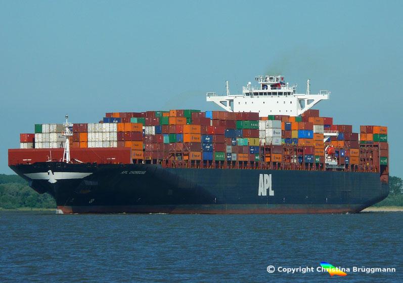Containerschiff APL CHONGQING auf der Elbe, 06.06.2018