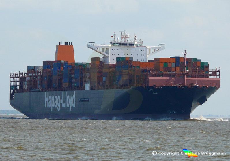 """Containerschiff """"AFIF"""" auf der Elbe 23.04.2018"""