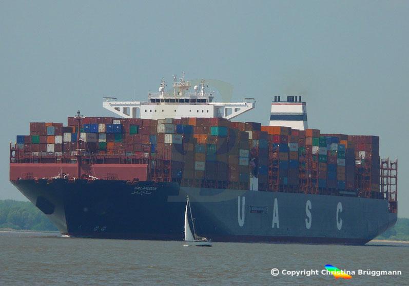 Containerschiff SALAHUDDIN, auf der Elbe 13.05.2018