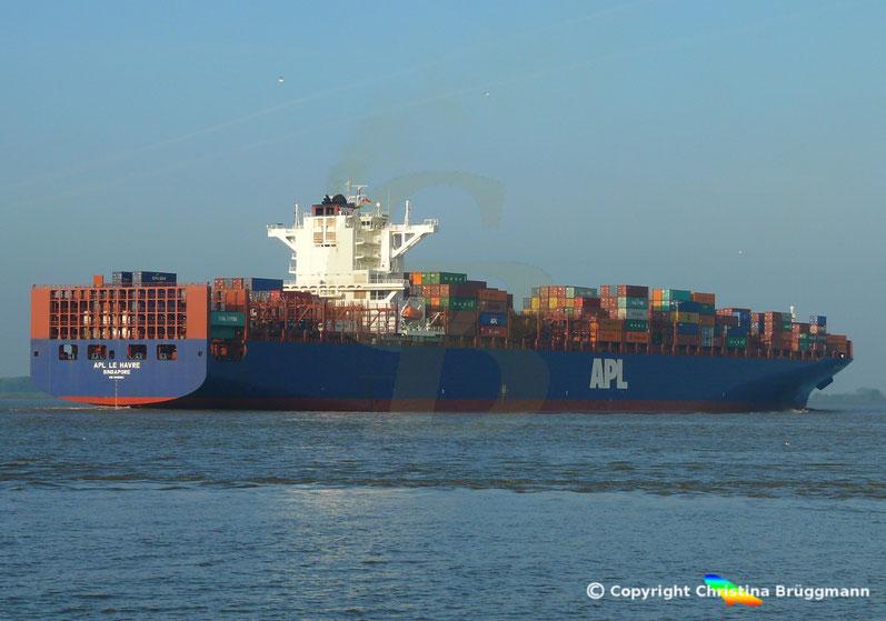 Containerschiff APL LE HAVRE auf der Elbe, 05.10..2018