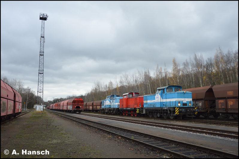 Zwischen Kohle- und Gipswagen kommt der Zug schließlich zum Stehen