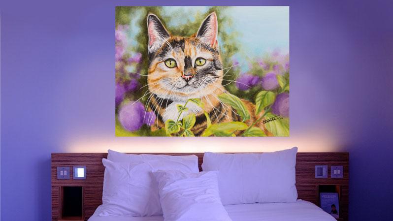 """Schlafzimmer Beispiel Acrylgemälde """"Katze Flecky"""" von Künstlerin Hanna Stemke"""