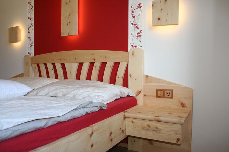 einrichten bedeutet nicht wohnraum zu schaffen sondern lebensraum zu gestalten tischlerei. Black Bedroom Furniture Sets. Home Design Ideas