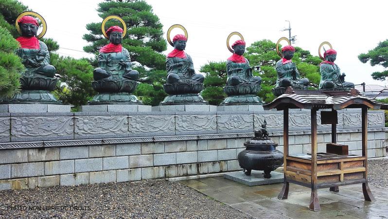 Allée sereine, temple Zenkô-Ji, Nagano