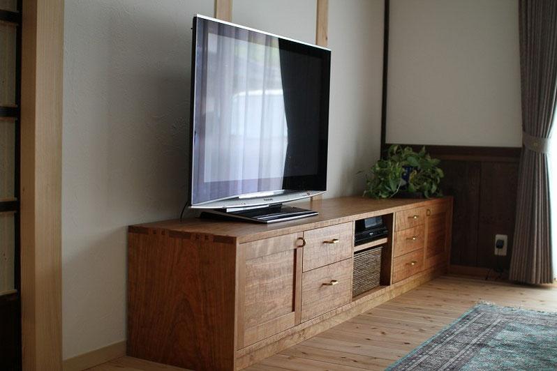 チェリーのテレビボード