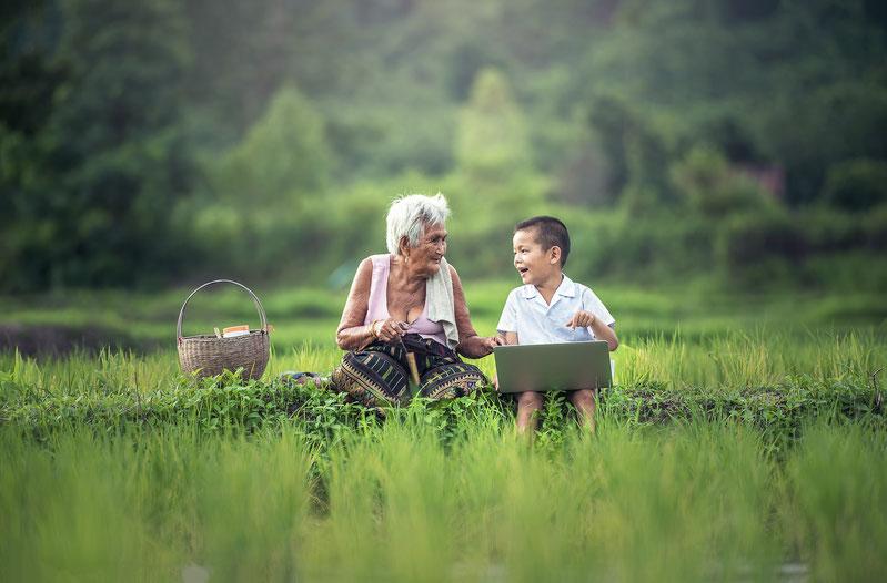 Enseñar a los mayores a manejarse con el ordenador - AorganiZarte