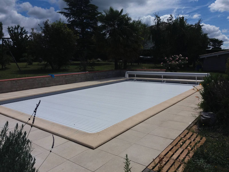 R novations pose liners gilbert piscines sas for Installation volet roulant piscine hors sol
