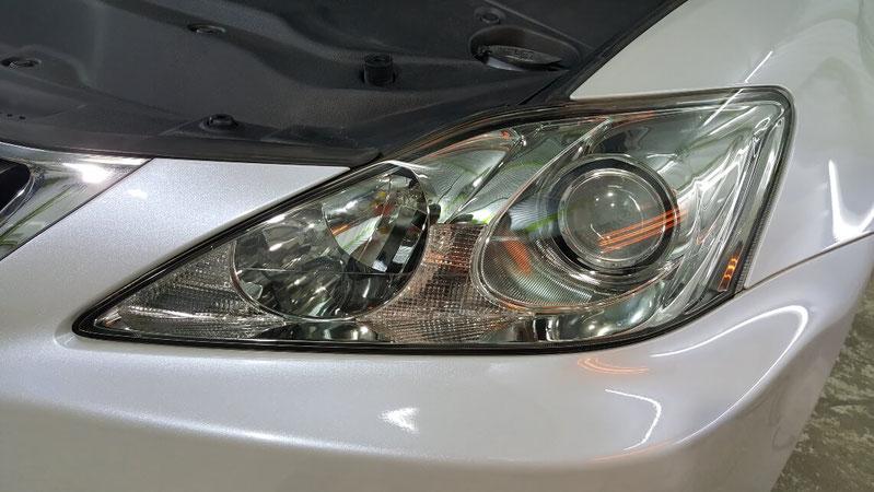 ヘッドライトコーティングをヒーターで焼付け レクサスISのライトをコーティングで保護 車のヘッドランプの劣化・UV対策