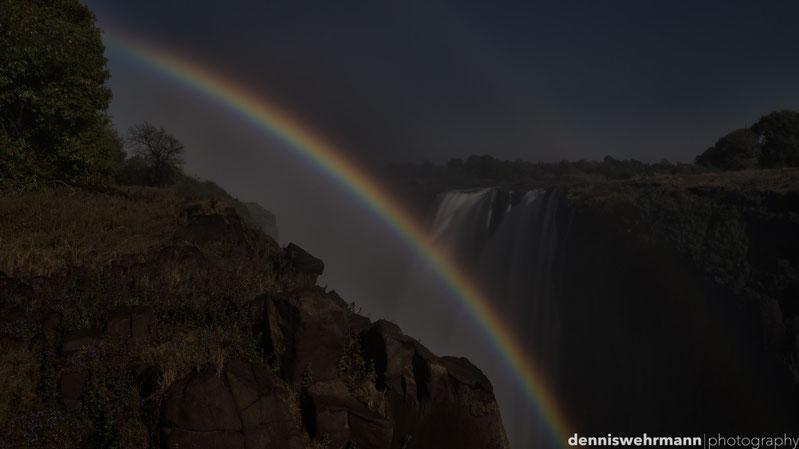 lunaric rainbow - nikon d610, 44mm; f8; 82 sec.; iso 100