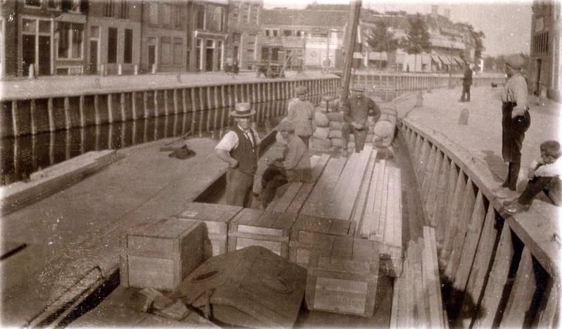 """""""Generaal de Wet II"""" liggend aan het Franekereind te Harlingen."""
