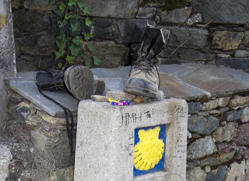 Artėjant prie Santjago kai kam batų nebereikia / Foto: Kristina Stalnionytė