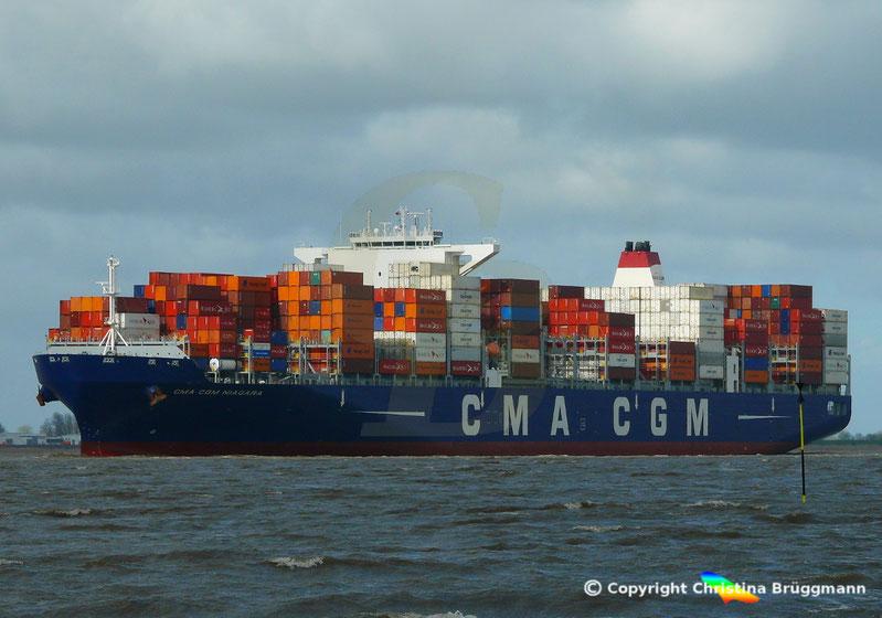 """Containerschiff """"CMA CGM NIAGARA"""" auf der Elbe 22.04.2017"""