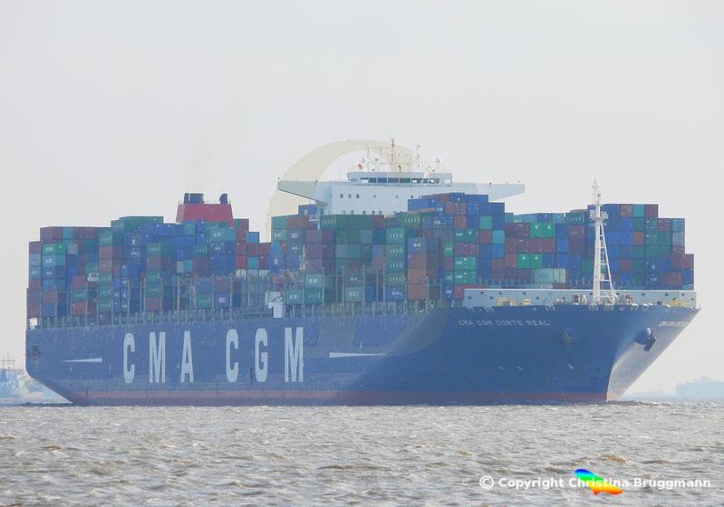 """Containerschiff """"CMA CGM CORTE REAL"""" auf der Elbe 12.03.2017"""