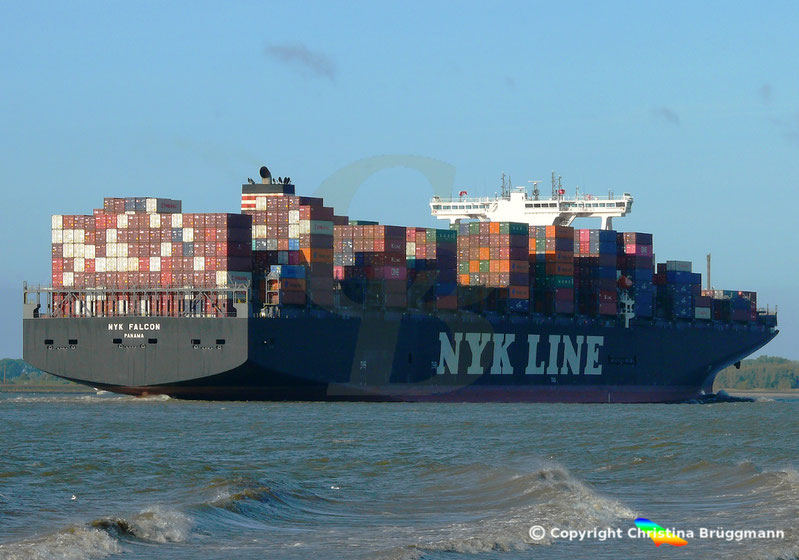 Containerschiff NYK FALCON auf der Elbe 07.10.2018