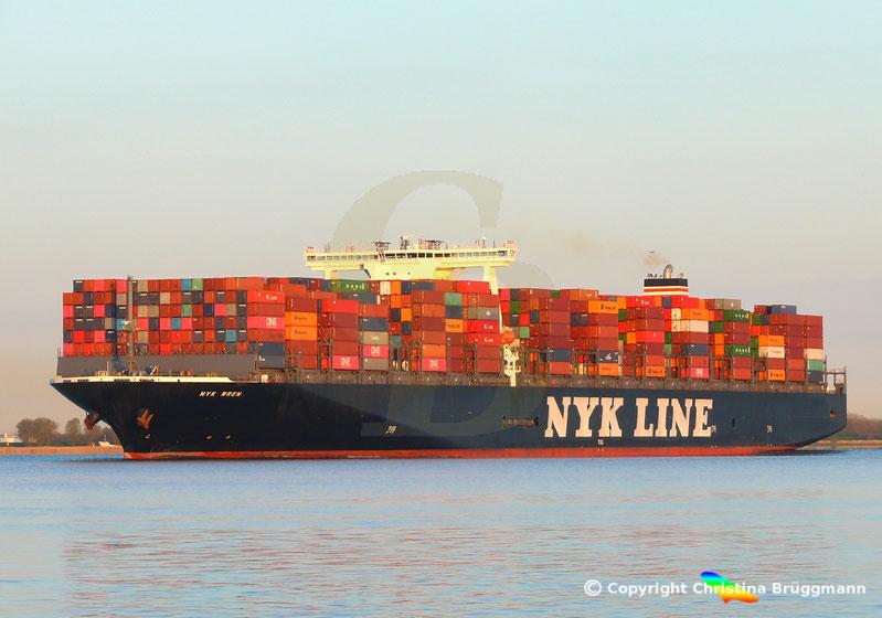 Containerschiff NYK WREN, Elbe 10.04.2019