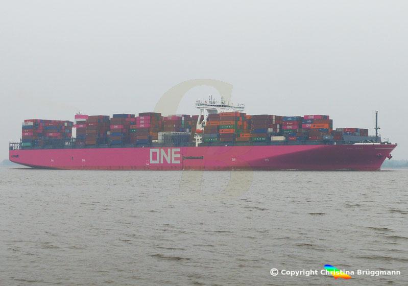 Containerschiff ONE GRUS nach Erstbesuch in Hamburg, 20.03.2019