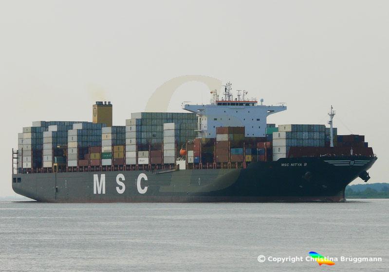 Containerschiff MSC NITYA B., auf der Elbe 22.07.2018