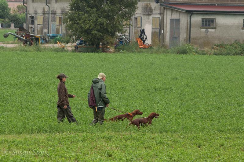 Julie und Eikki gehen ins Feld (Paarsuche Italien)