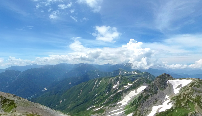 Why not enjoy a spectacular view of the Japan Alps (Tateyama Kurobe Alpine Route) from the comfort of your own home? You can feel like you are traveling in the Japanese Alps with panoramas, movies, and VR!